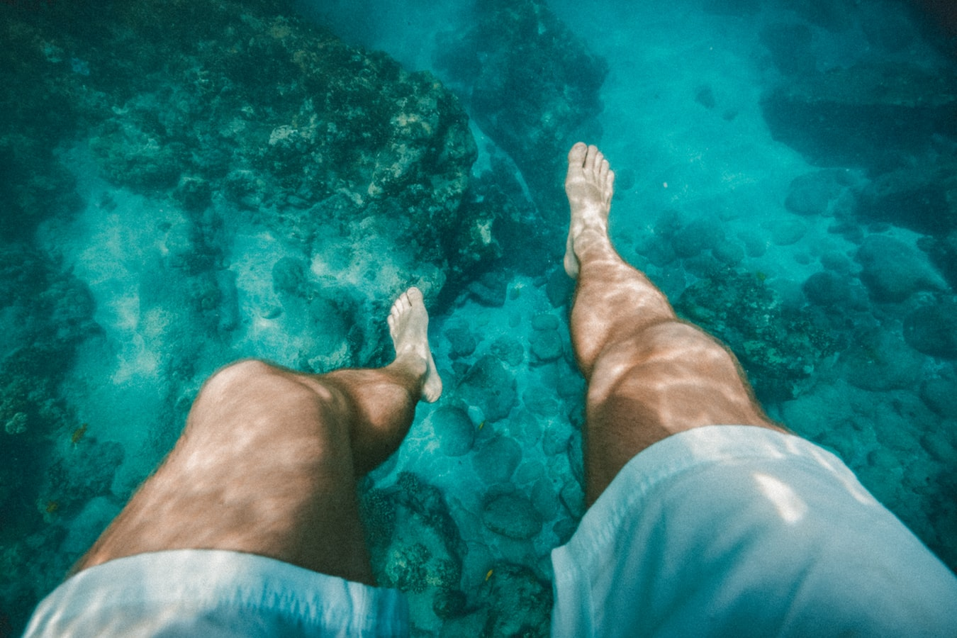 Beskyt dine fødder med badesko